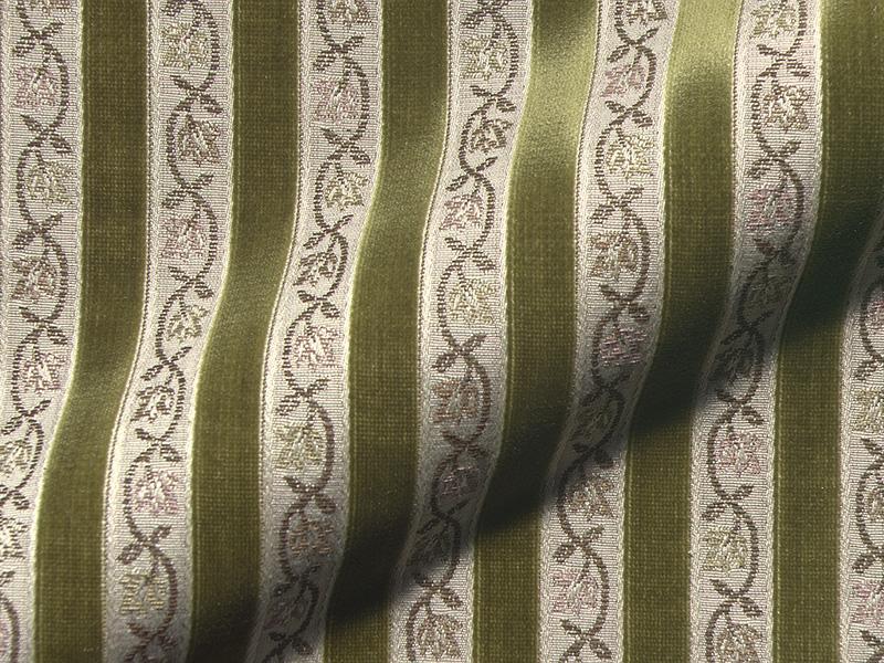 Antike Polsterstoffe für Stuehle mit Muster im klassischen Stil gibt es im Moebelstoffparadies